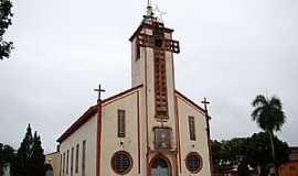 Tumiritinga - Tumiritinga-MG-Matriz do Sagrado Coração de Jesus-Foto:Vicente A. Queiroz
