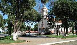 Tumiritinga - Tumiritinga-MG-Praça e Matriz do Sagrado coração de Jesus-Foto:Izaides