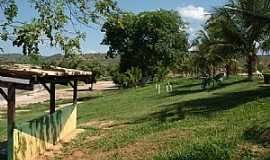 Tumiritinga - Tumiritinga-MG-Praça na descida para a prainha-Foto:GeovaneJAlves