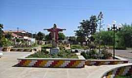 Barro Alto - Cristo na Praça da Matriz em Barro Alto-BA-Foto:sandovaldo.reis