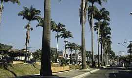 Ubá - Ubá-MG-Avenida Beira Rio-Foto:Angelo Feder Jr