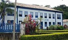 Ubá - Ubá-MG-Colégio São José-Foto:JBPedroso