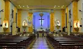 Ubá - Ubá-MG-Interior da Igreja de São Januário-Foto:Diocese de Leopoldina