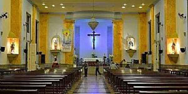 Ubá-MG-Interior da Igreja de São Januário-Foto:Diocese de Leopoldina