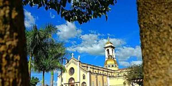 UBERABA Triangulo Mineiro  Santuário Nossa Sra da Abadia Fotografia de Valmir Silveira