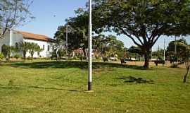 Uruana de Minas - Uruana de Minas-MG-Praça da Matriz-Foto:João Cássio Barbosa Costa
