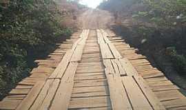 Urucuia - Urucuia-MG-Ponte sobre o Rio Gameleiras-Foto:Gilberto Brito