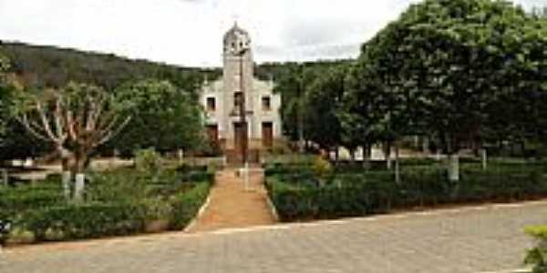 Praça e Igreja Matriz de Vai-Volta-MG-Foto:Gustavo Sturzenecker…