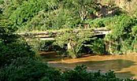 Valadares - Antiga ponte ferroviária-Foto:Jorge A. Ferreira Jr…