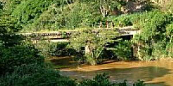 Antiga ponte ferroviária-Foto:Jorge A. Ferreira Jr…