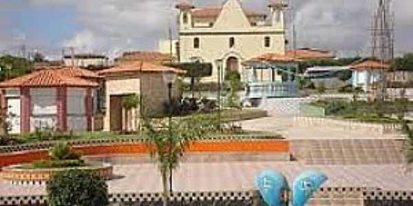 Barrocas-BA-Praça e Igreja de São João Batista-Foto:barrocas-bahia.blogspot.com
