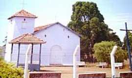 Veríssimo - Capela em Veríssimo, foto por Glaucio Henrique Chaves.