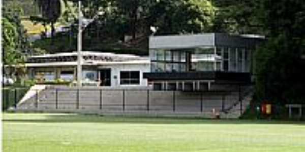 Vespasiano-MG-Um dos Campos do Clube Atlético Mineiro-Foto:www.taringa.net