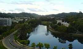 Viçosa - Viçosa-MG-Vista do Lago e Prédio da Universidade Federal de MG-Foto:joaojoel