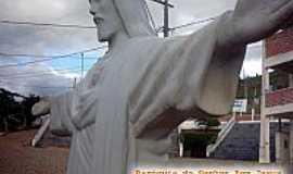 Vieiras - Cristo - Em frente a Igreja