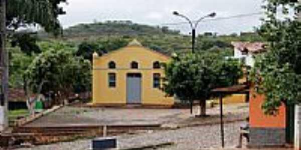 Praça e Igreja-Foto:D. Andrade