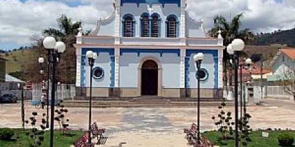 Virgínia-MG-Praça e Matriz de N.Sra.da Conceição-Foto:JulioAndrade