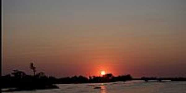 Pôr do Sol na Baia de Albuquerque-MS-Foto:Nerone Maiolino