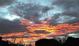Amambái - Por do sol em Amambaí por helenkll