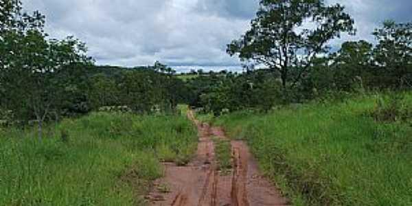 Areado-MS-Estrada rural-Foto:ofertasrural.com.br