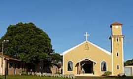 Bandeirantes - Igreja de N.Sra.Aparecida-Foto:Altemiro Olinto Cris�