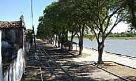 Belmonte - Trilhos na Av. Beira Rio em Belmonte-BA-Foto:Umberto Ferreira