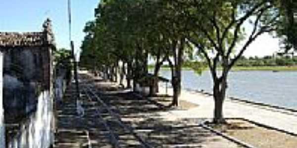 Trilhos na Av. Beira Rio em Belmonte-BA-Foto:Umberto Ferreira