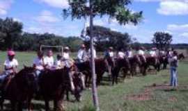 Camapuã - Camapuã tem Cavalgada na Festa de São José dia 1 de maio - região dos Melhados, Por Pe. Pedro Arnoldo da Silva