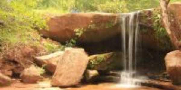 Cachoeira Morro da Antena, Por Silvia Queiroz