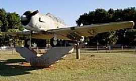Campo Grande - Avião da 2ª Guerra na Base aérea de Campo Grande-MS-Foto:Jefferson França