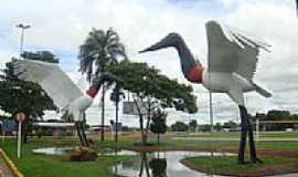 Campo Grande - Tuiuius na praça junto ao Aeroporto Internacional de Campo Grande-Foto:Paulo Yuji Takarada