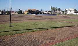 Chapadão do Sul - Chapadão do Sul-MS-Praça da Matriz-Foto:Leão Mapogo