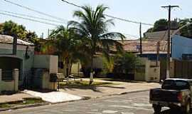 Coxim - Entorno Praça Silvio Ferreira Coxim - MS imagem de Luciano Domingues Rezende