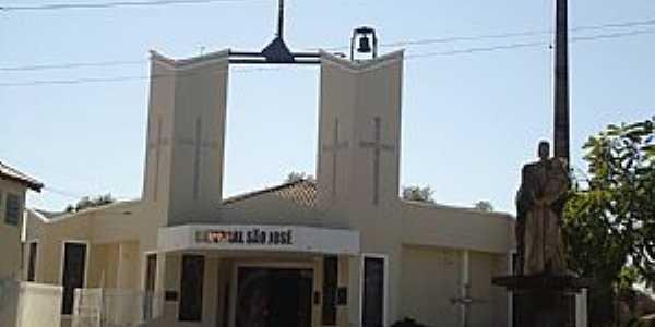 Catedral de São José Praça Silvio Ferreira Coxim - MS imagem de Luciano Domingues Rezende