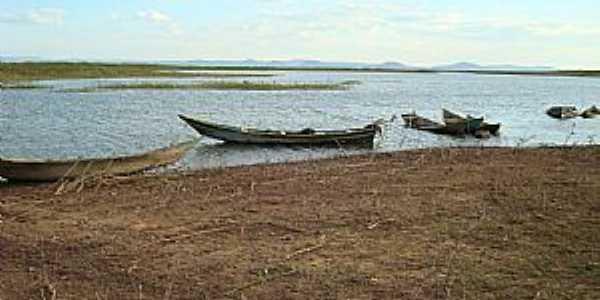 Bem Bom-BA-Barcos de pescadores-Foto:Gildesio Barbosa