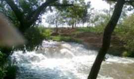 Deodápolis - cachoeira , Por maria aparecida
