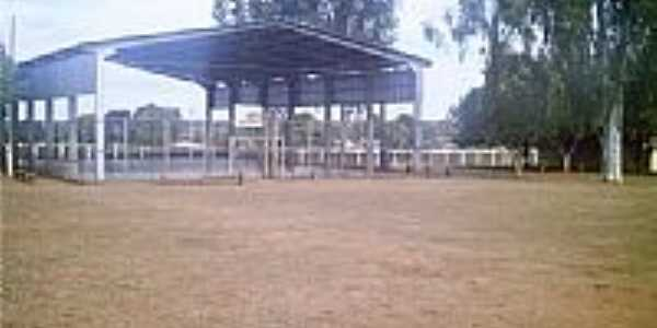 Quadra de Esportes da Escola-Foto:Jhonatan S. Paz [Panoramio]