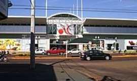 Dourados - Shopping Avenida Center-Foto:Paulo Yuji Takarada [Panoramio]