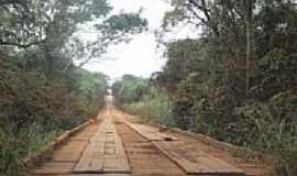 Guaçu - Ponte de madeira em estrada vicinal no Distrito de Guaçu-Foto:Paulo Yuji Takarada