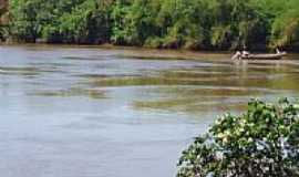Guaçu - Rio Dourado na localidade de Cascalheira, Distrito de Guaçu-Foto:Antonio B. de Souza