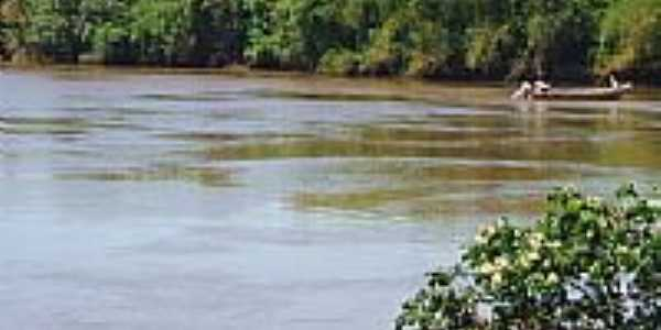 Rio Dourado na localidade de Cascalheira, Distrito de Guaçu-Foto:Antonio B. de Souza