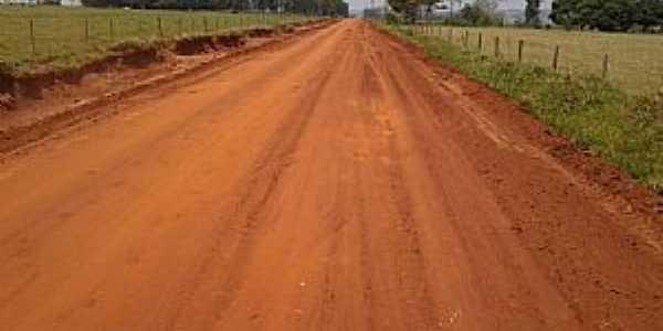 Indaiá do Sul-MS-Estrada sendo pavimentada-Foto:www.itaquirai.ms.
