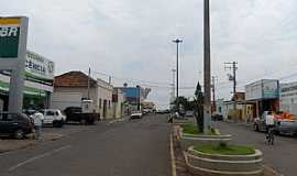 Inocência - Inocência-MS-avenida central-Foto:Clovis Tolentino