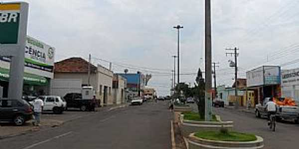 Inocência-MS-avenida central-Foto:Clovis Tolentino