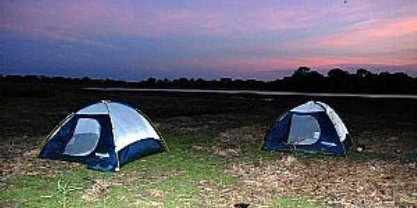 Nhecolândia-MS-Entardecer no Camping-Foto:destinodeviagem
