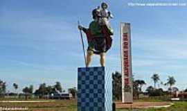 Nova Alvorada do Sul - Nova Alvorada do Sul-MS-Imagem em homenagem à São Cristóvão na entrada da cidade-Foto:Sergio Falcetti