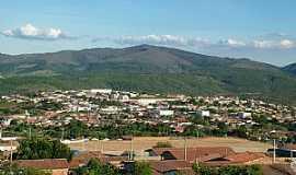 Boa Nova - Boa Nova-BA-Vista parcial da cidade e a ao fundo a serra-Foto:Nelson Lago Duarte