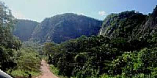 Montanhas da Estrada Parque em Piraputanga-MS-Foto:Rivaldi