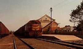 Ribas do Rio Pardo - Trem na Esta��o