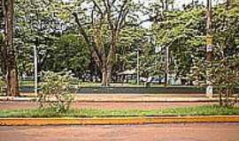 Rio Brilhante - Pra�a Central